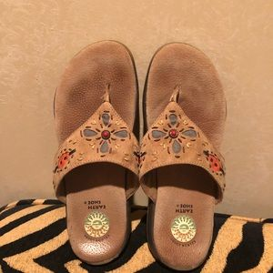 Earth sandals size 7